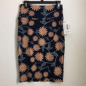 NWT LuLaRoe Cassie Pencil Skirt Size Small Daisy